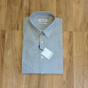 (e) NWT Calvin Klein Pinstripe Dress Shirt